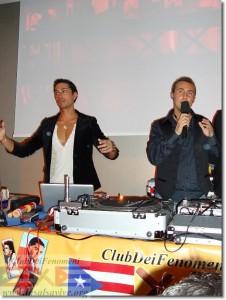 """Frankie Martinez insieme a Tommy Salsero durante l'evento LaSalsaVive """"El Alma del Tambor"""""""