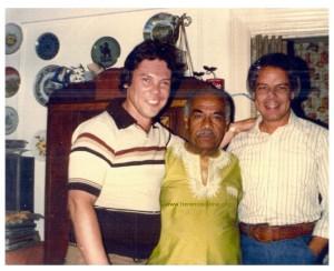 In casa di Machito: Joey Pastrana, Machito e Joe Quijano. Foto di Joey Pastrana - ceduta a Herencia Latina